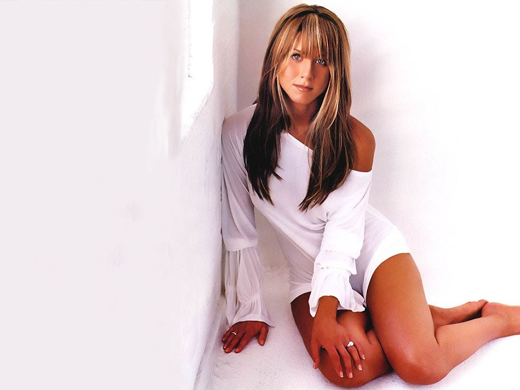 Jennifer Aniston legs sexy