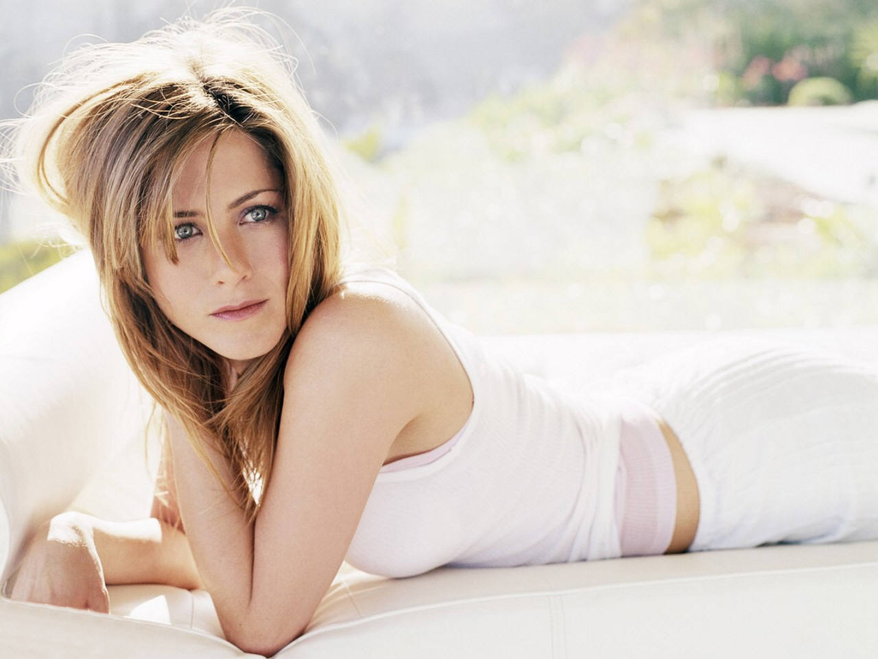 Jennifer Aniston sexy pic
