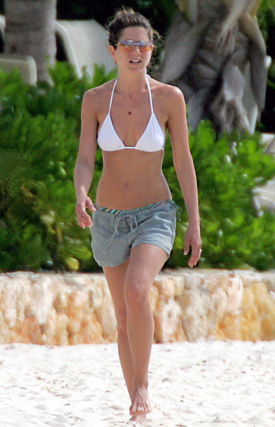 Jennifer Aniston white bikini (2)
