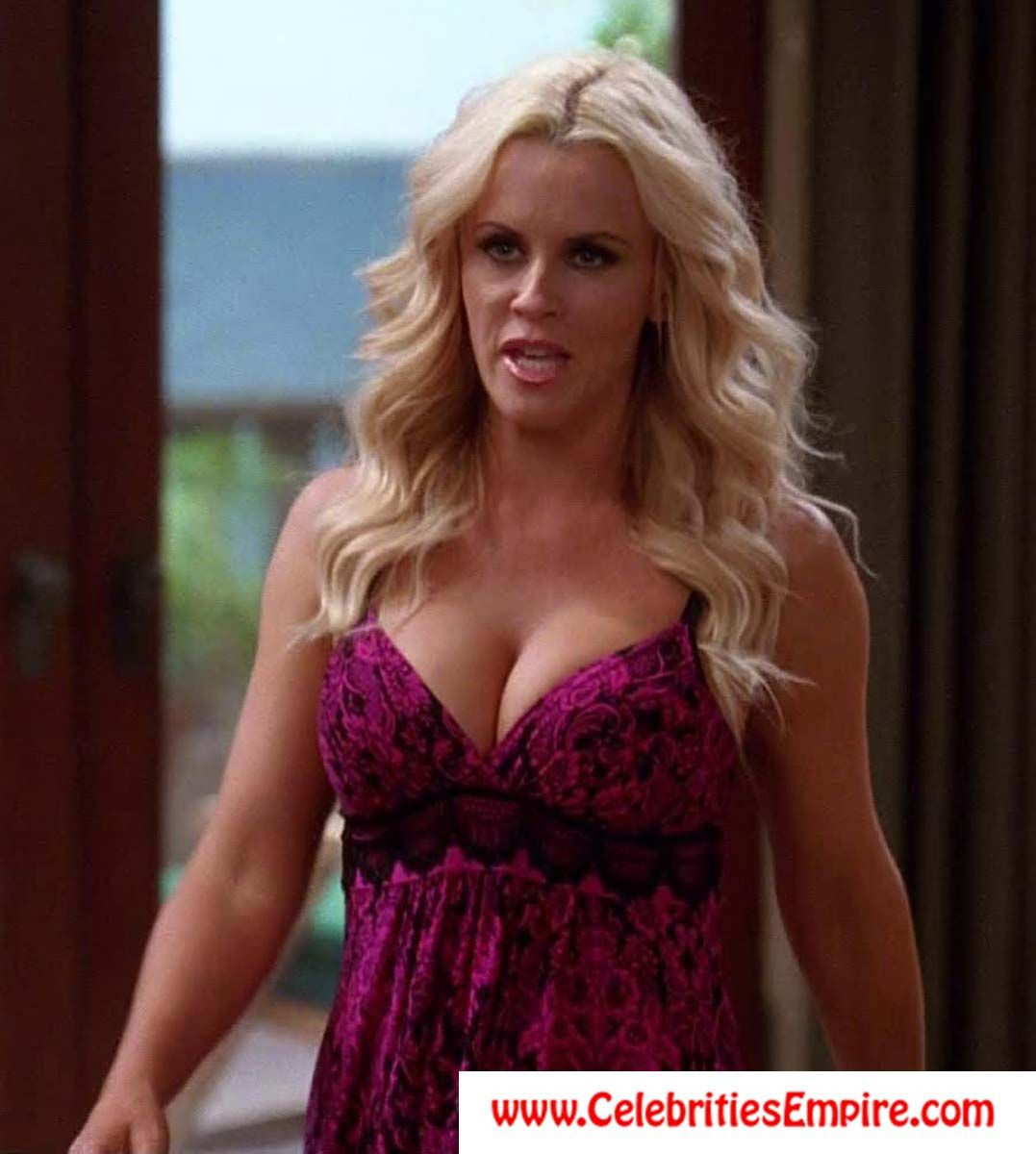 Jenny McCarthy sexy cleavage