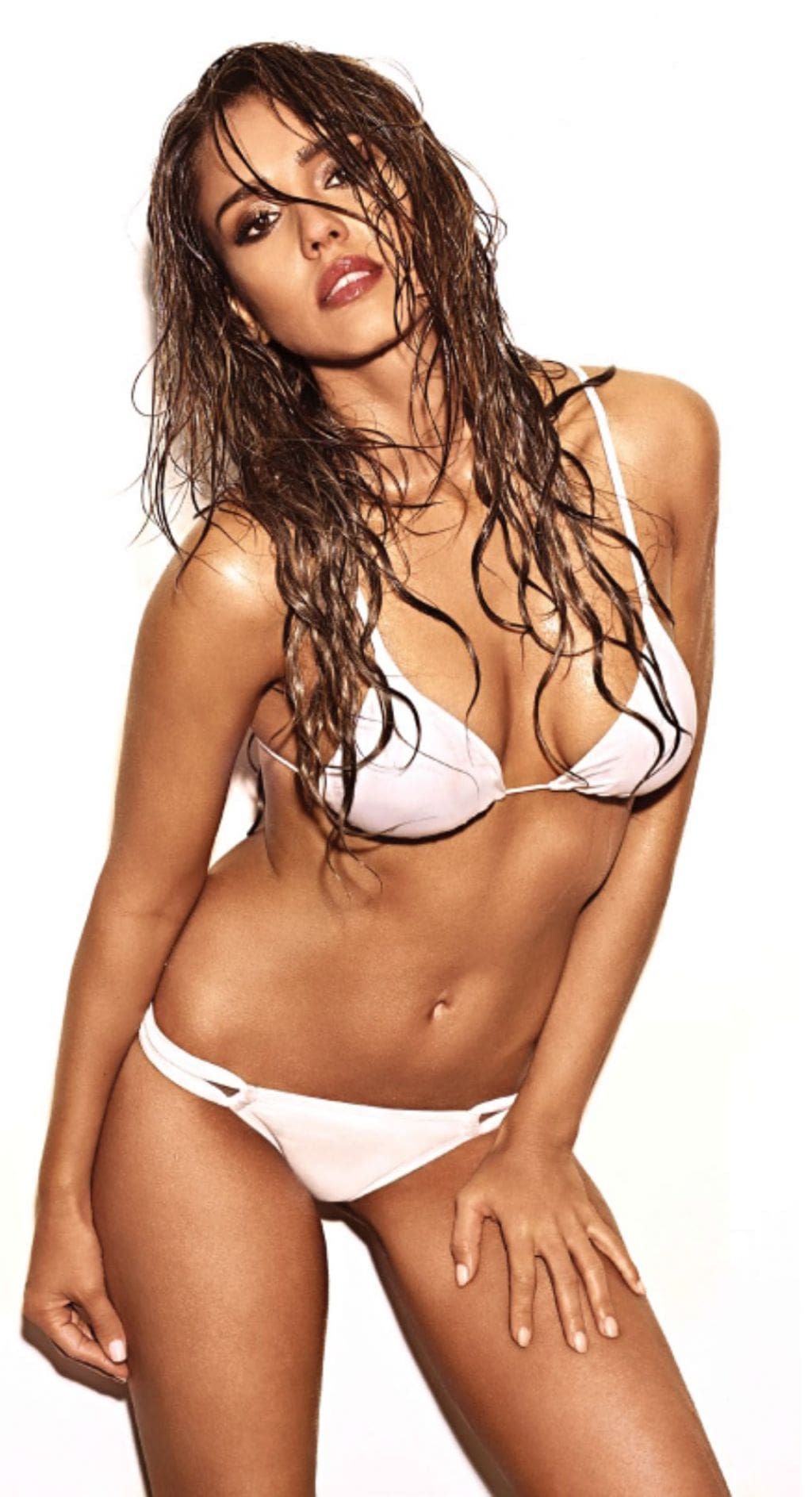 Jessica Alba Sexy boobs Picture in White Bikini