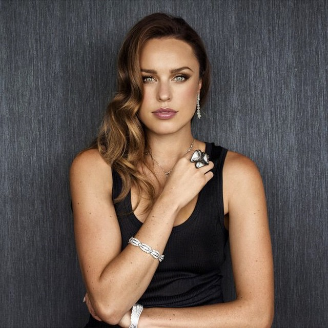 49 Hot Pictures Of Jessica Mcnamee Which Will Make You Want More