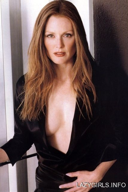 Julianne Moore hot and sexy photo