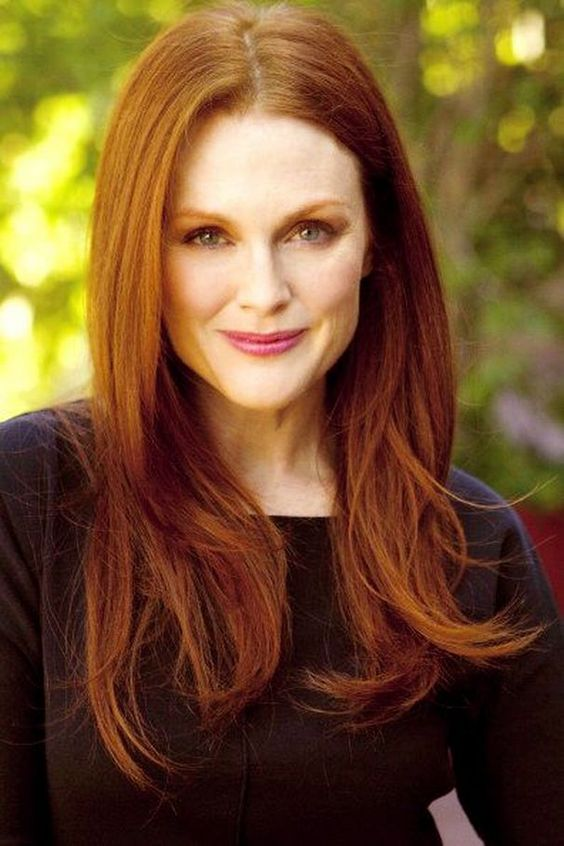 Julianne Moore hot lady photo