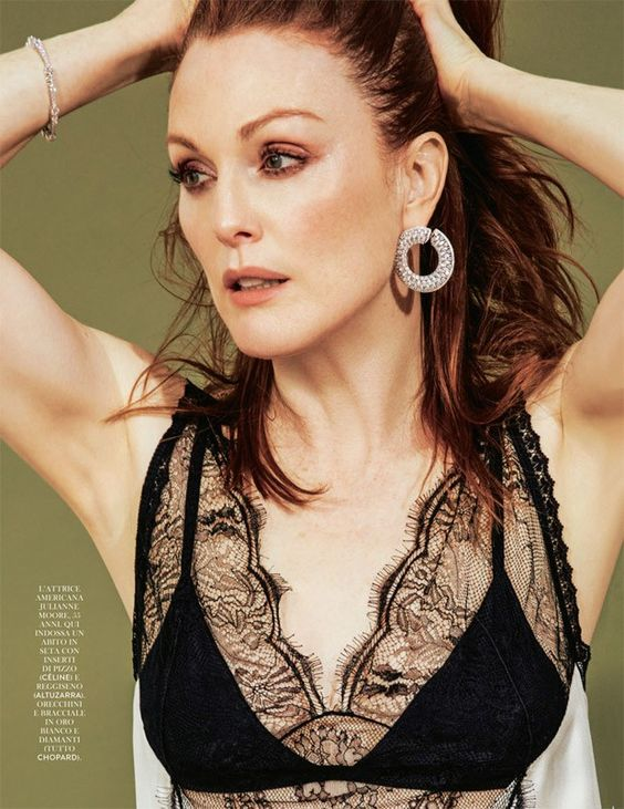 Julianne Moore hot