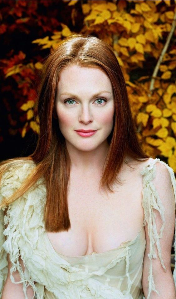 Julianne Moore sexy lady