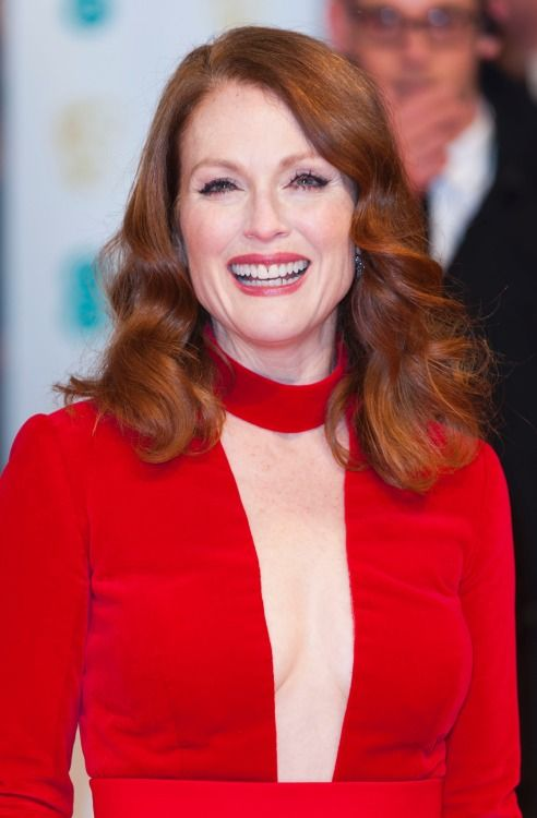 Julianne Moore sexy