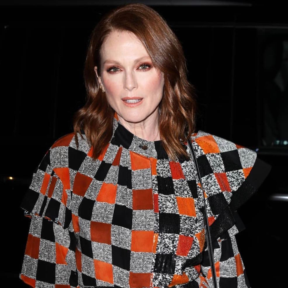 Julianne Moore too hot picture
