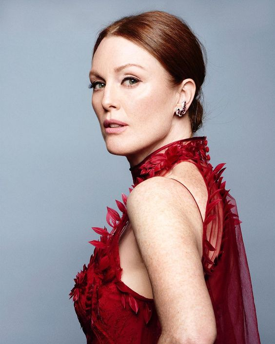 Julianne Moore very sexy pic