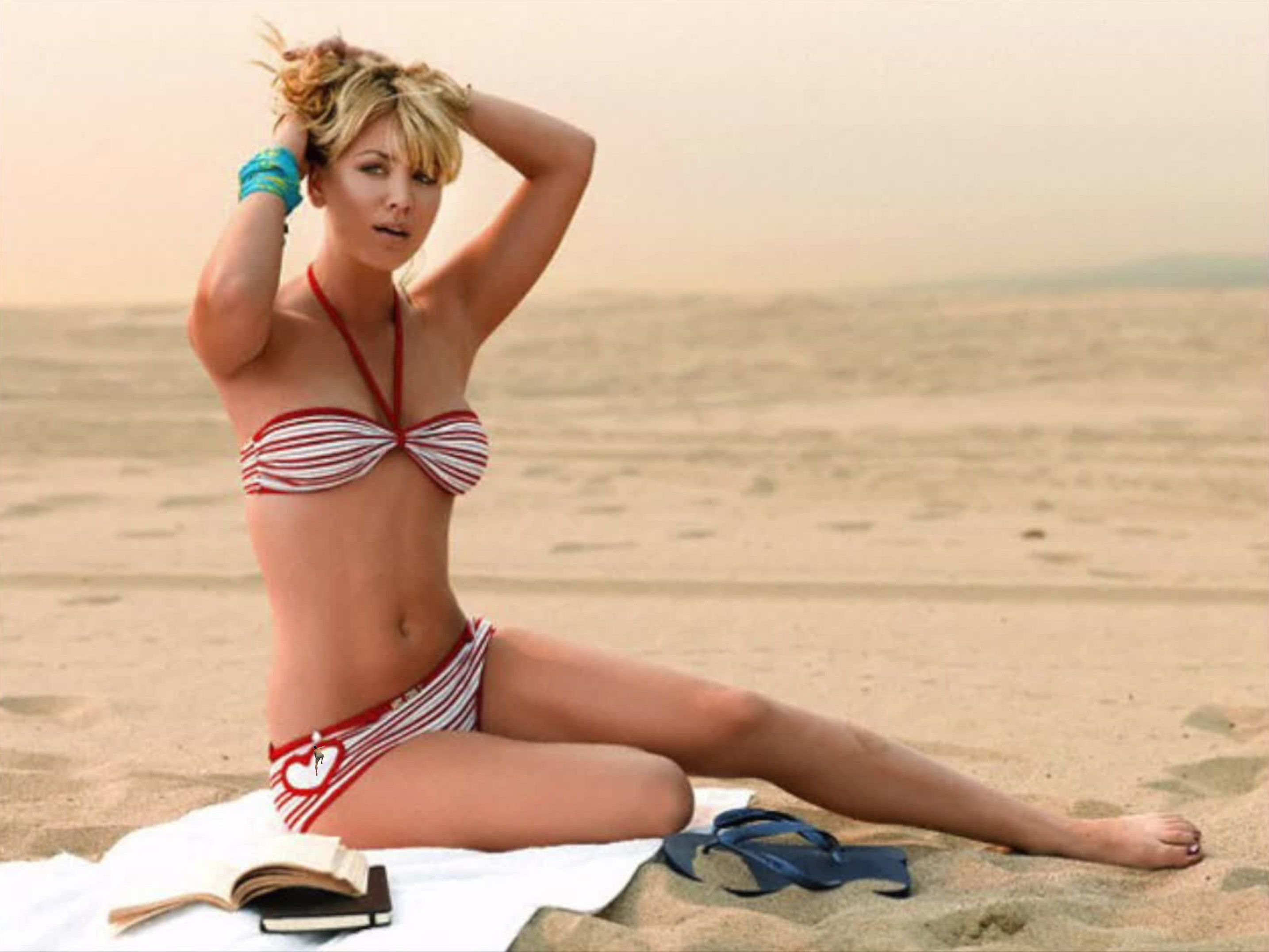 Kaley Cuoco sexy lady pic
