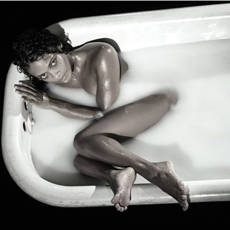 Kandyse McClure on Bathing Tub
