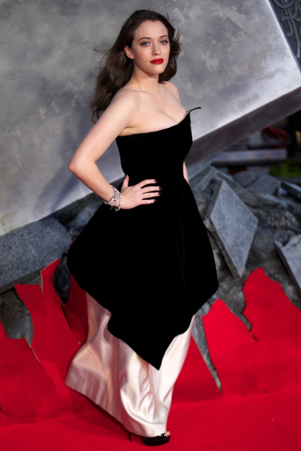 49 Sexiest Kat Dennings Boobs Pictures Are Going To Cheer -5006