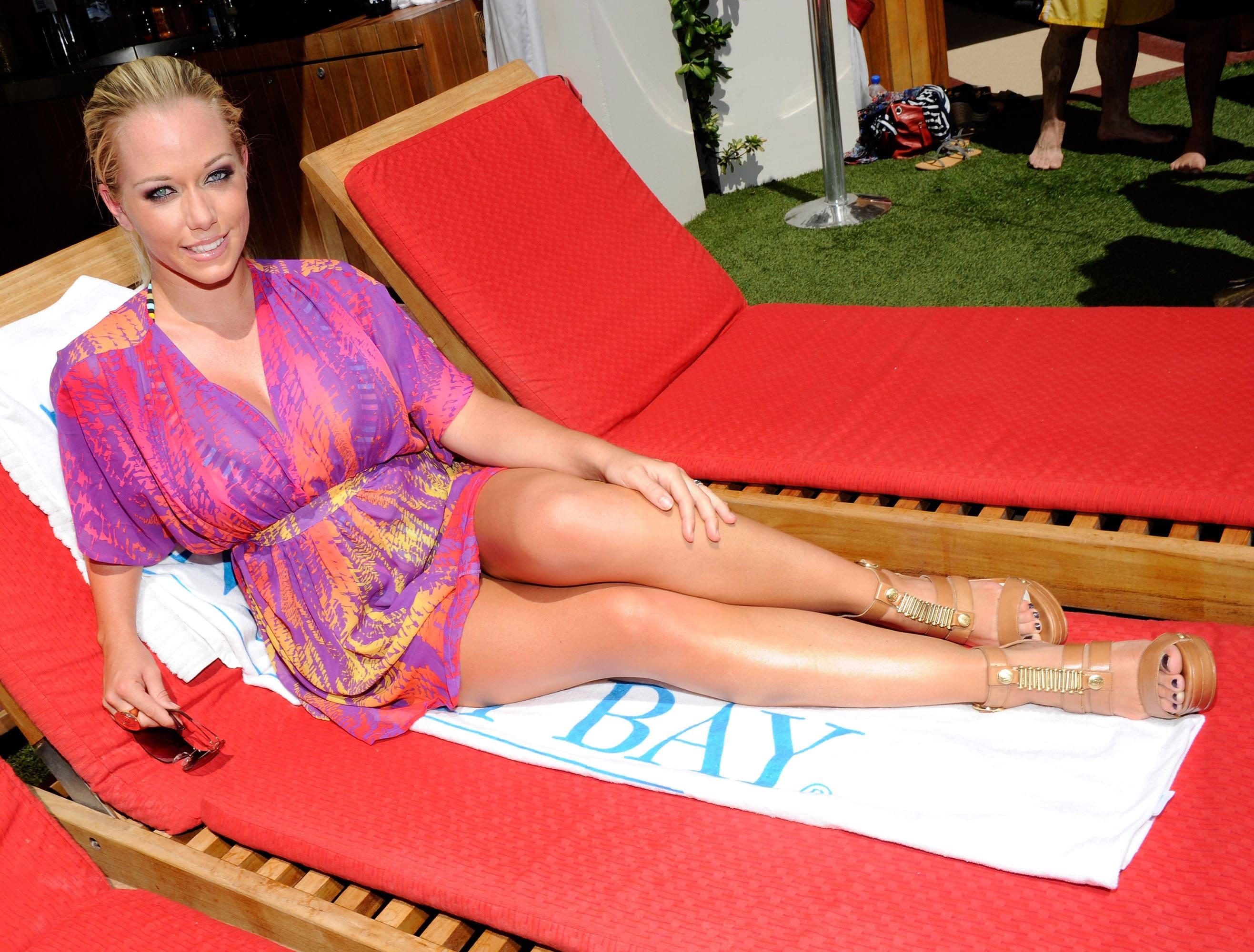 Kendra Wilkinson awesome