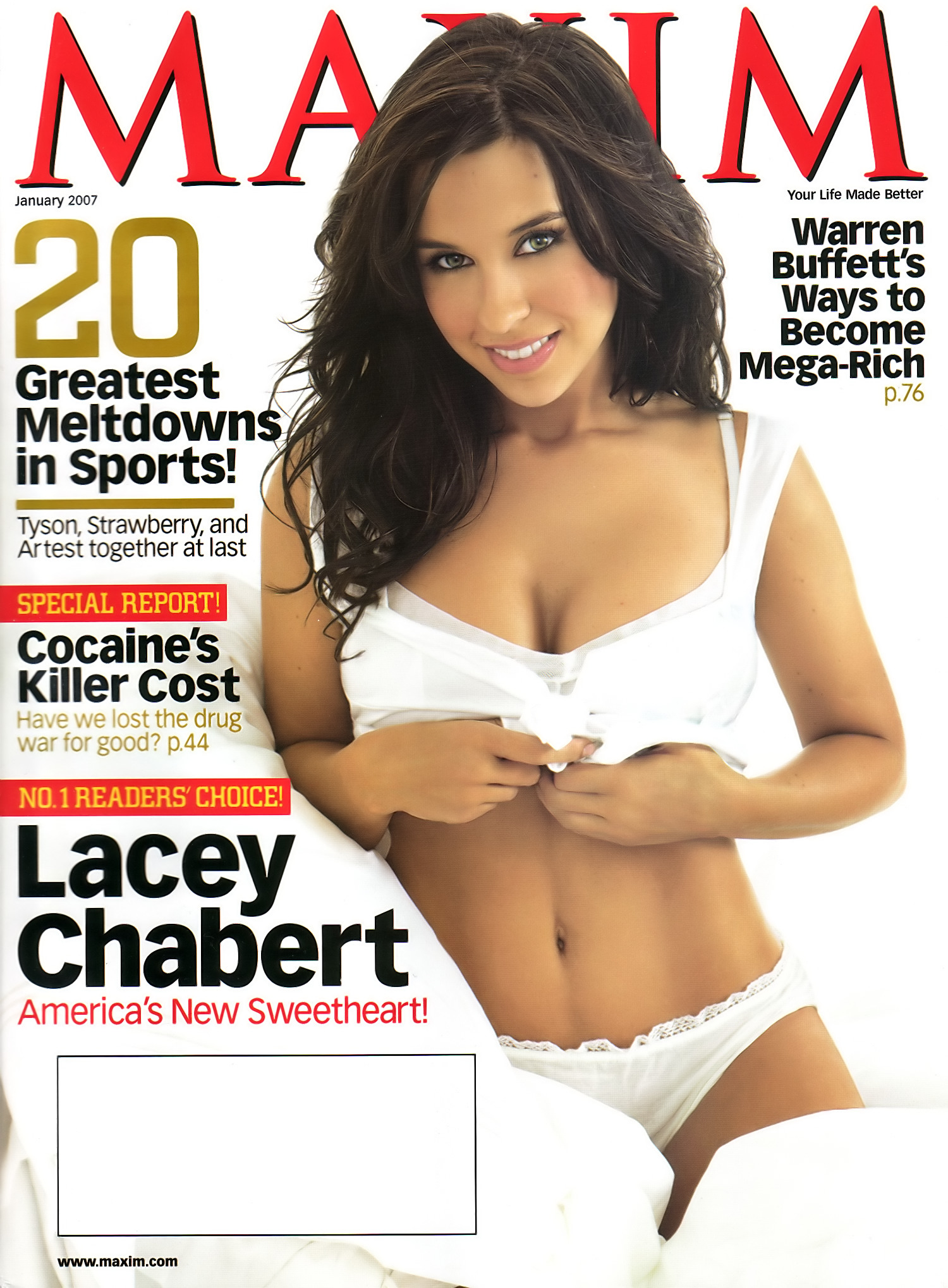 Lacey Chabert hot cleavage picture