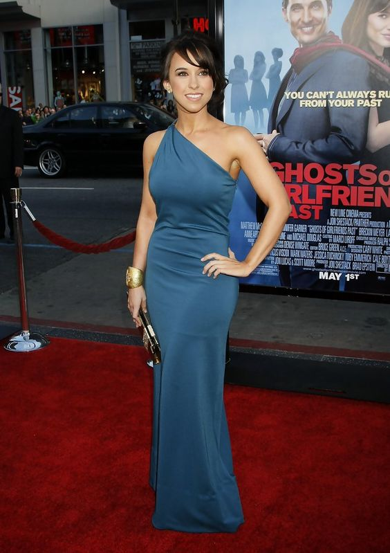 Lacey Chabert hot in red carpet