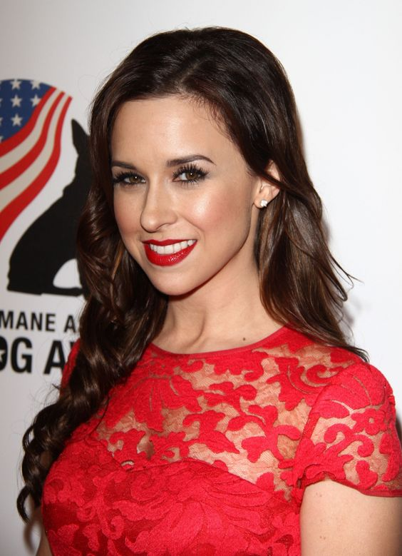 Lacey Chabert hot red pic