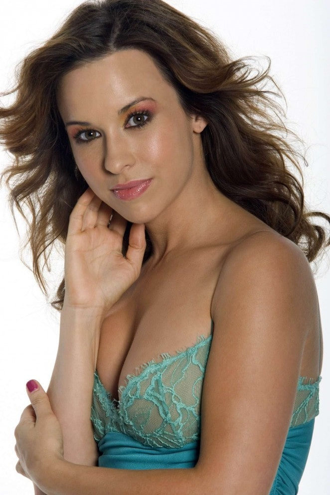 Lacey Chabert sexy boobs pic (2)