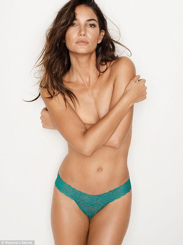 Lily Aldridge sexy topless pic