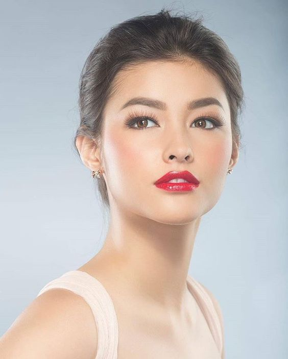 Top 50 famosas de J182 Liza-Soberano-Red-Lips