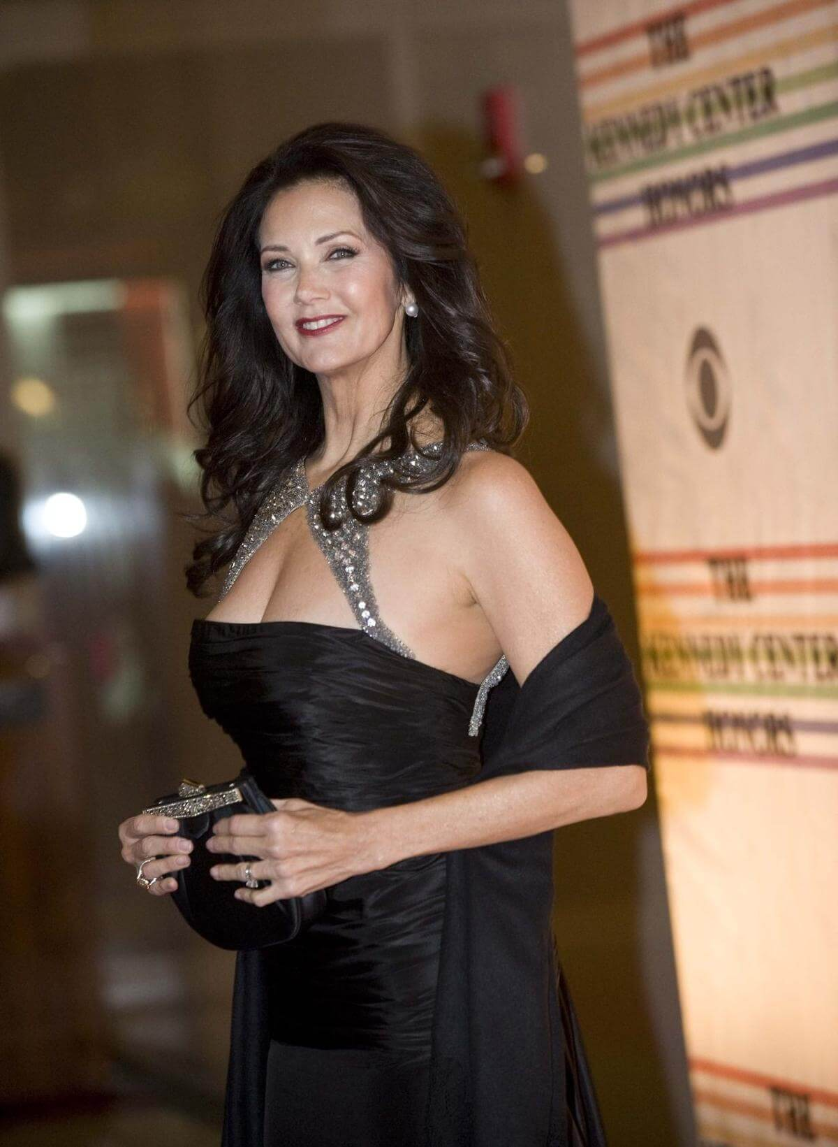 Lynda Carter Nude Images
