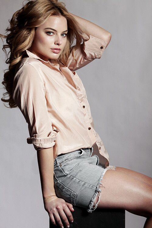 Margot Robbie on Photoshoot