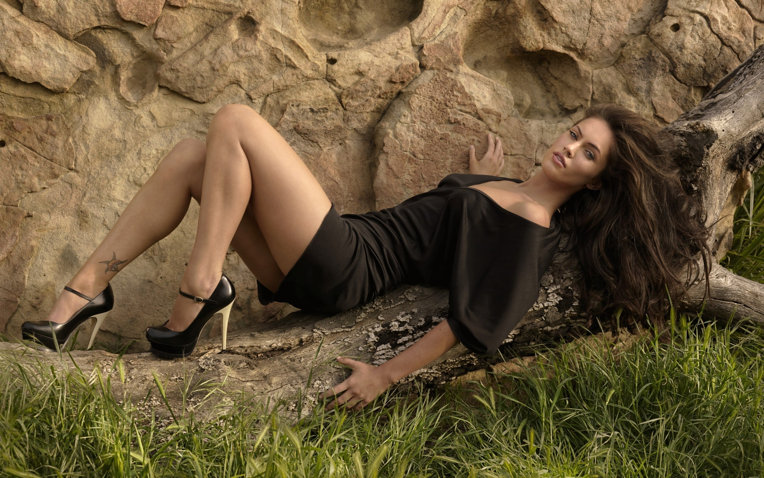 Megan Fox legs beautiful