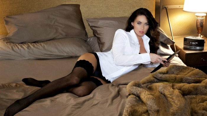 Megan Fox legs hot