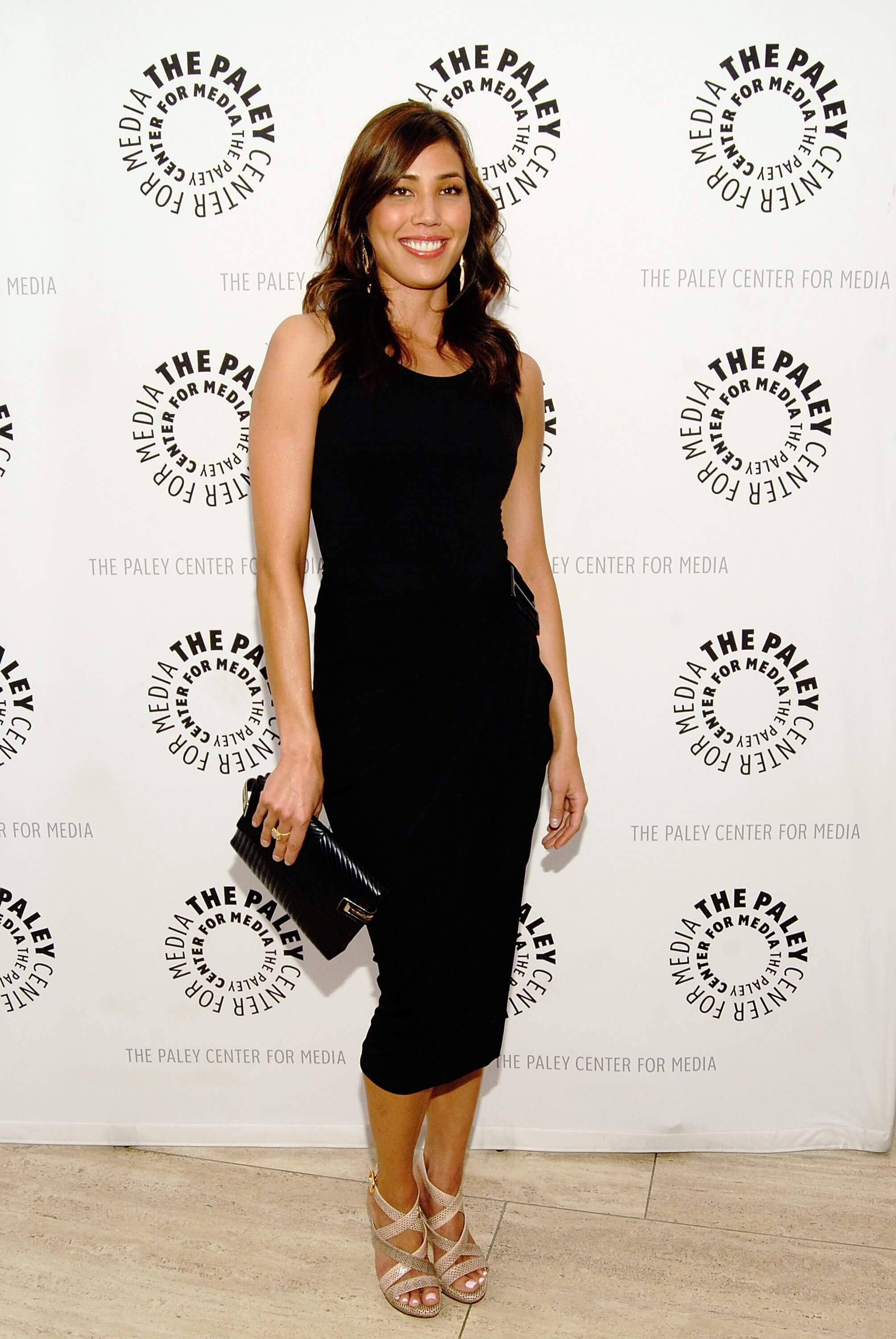 Michaela Conlin hot black dress