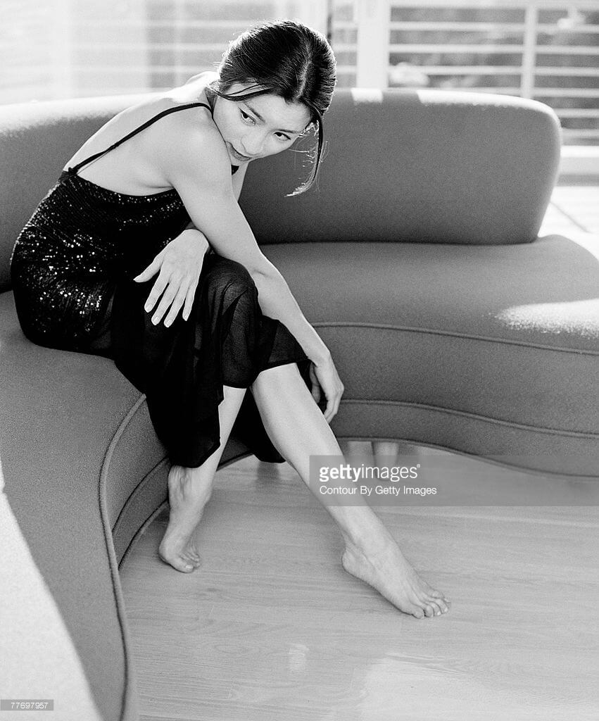 Michelle Yeoh feet sexy pic (2)