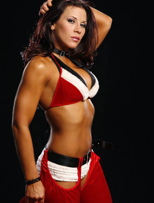 Mickie James hot side boobs (3)