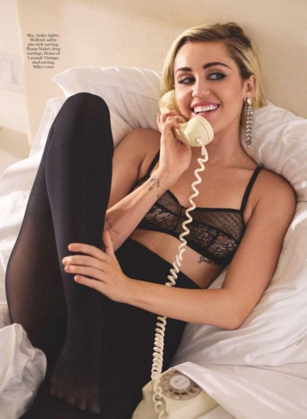 Miley-Cyrus cleavages awesome photos
