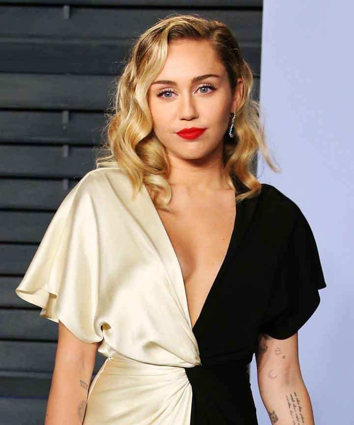 Miley-Cyrus sexy picture