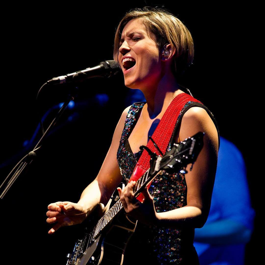 Missy Higgins sexy picture (2)