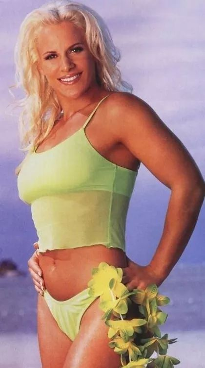 Molly Holly beautiful (2)
