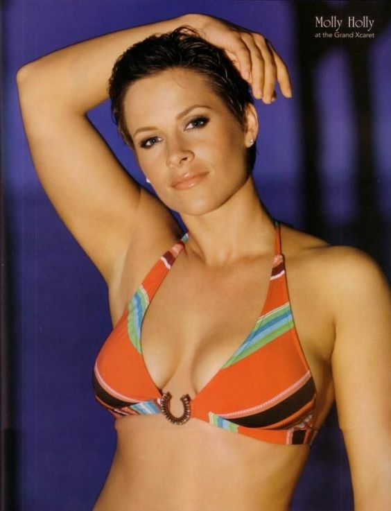 Molly Holly cleavages awesome