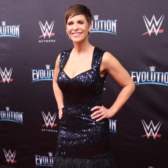 Molly Holly sexy pictures