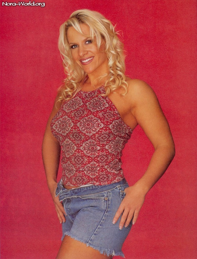 Molly Holly thigh hot