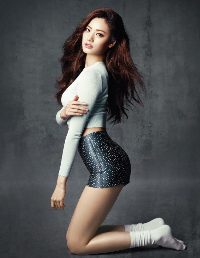 Nana K-Pop sexy side look (2)