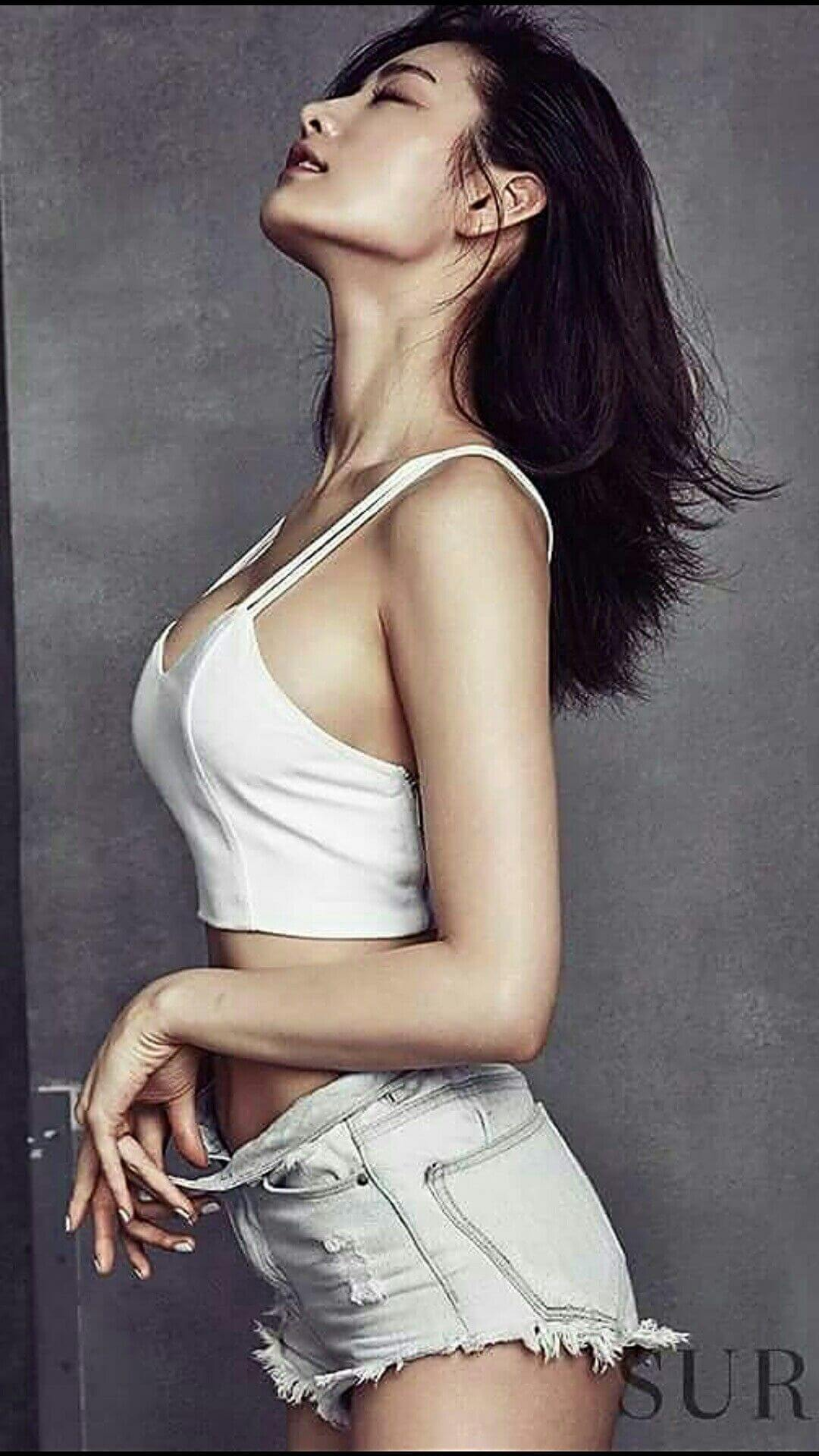 Nana K-Pop sexy side look