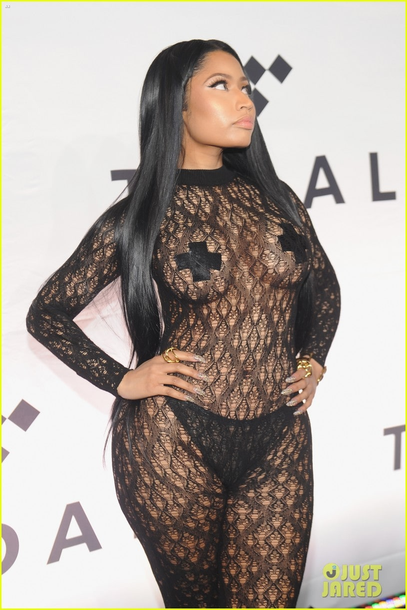 Nicki Minaj black sexy dress