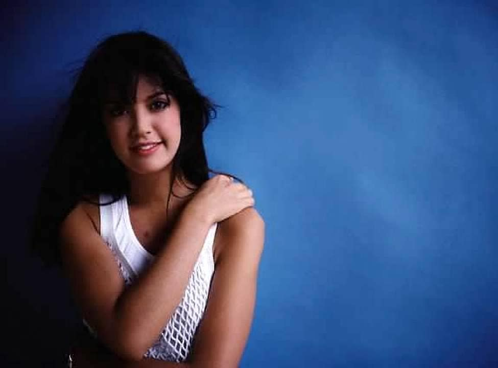 Phoebe Cates awesome picture