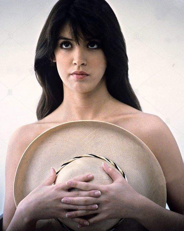 Phoebe Cates awesome pictures