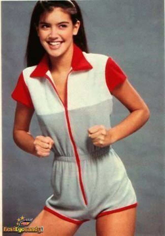 Phoebe Cates thighs awesome pic