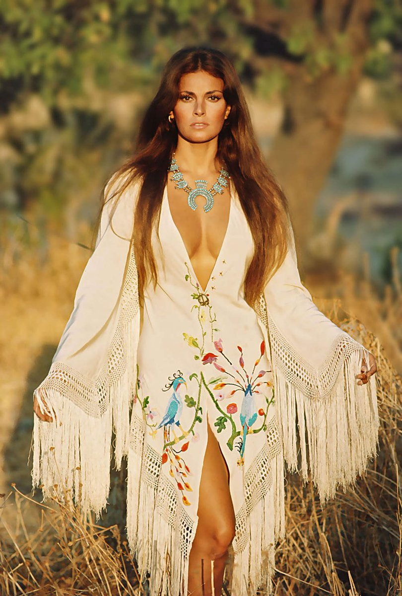 49 Hot Pictures Of Raquel Welch Which Are Drop Dead Gorgeous-6822