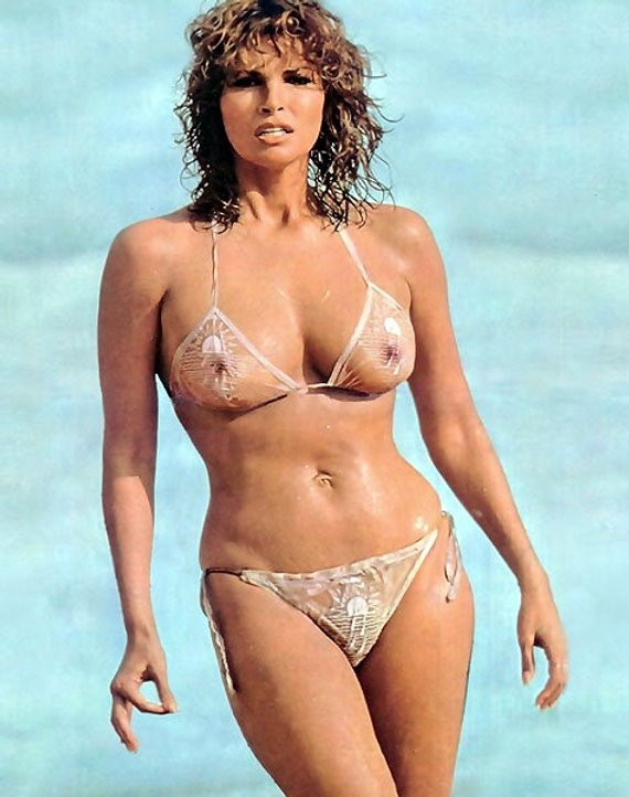 Hot Pictures Of Raquel Welch Which Are Drop Dead Gorgeous