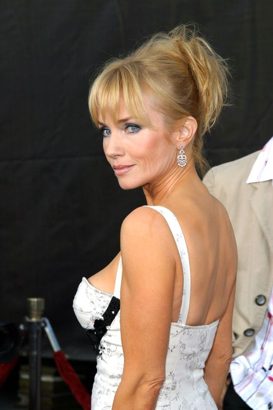 Rebecca De Mornay hot side pic