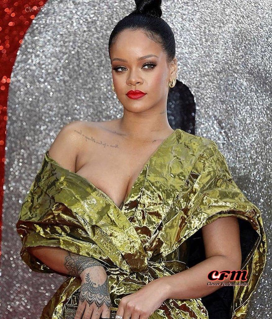 Rihanna cleavages hot