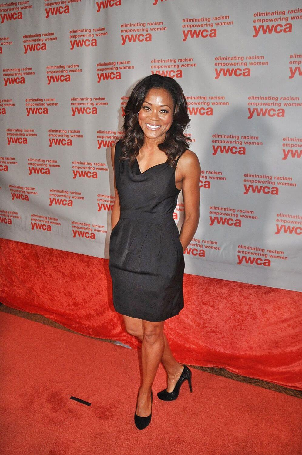 Robin Givens sexy legs