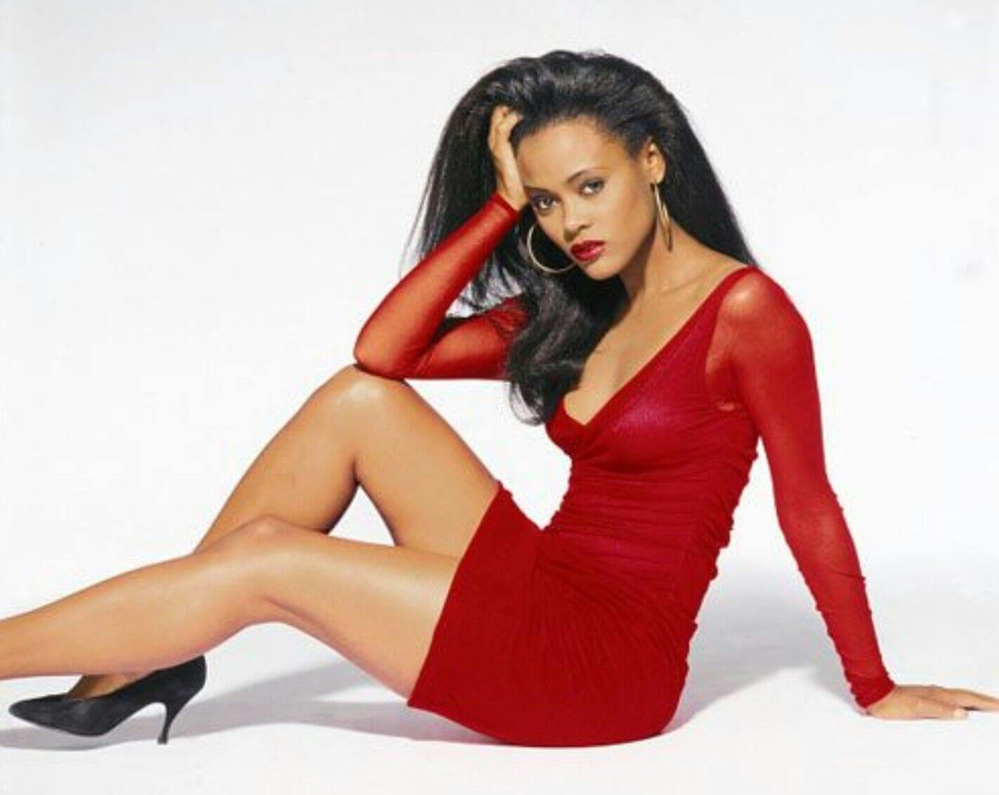 Robin Givens sexy red dress