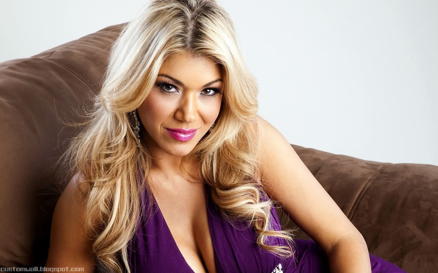 Rosa Mendes Beautifull